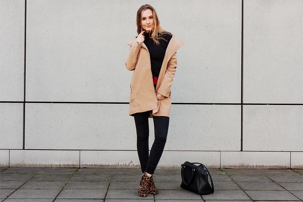 Valentina_Coat Season4