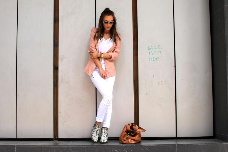 Valentina_White_outfit2_original
